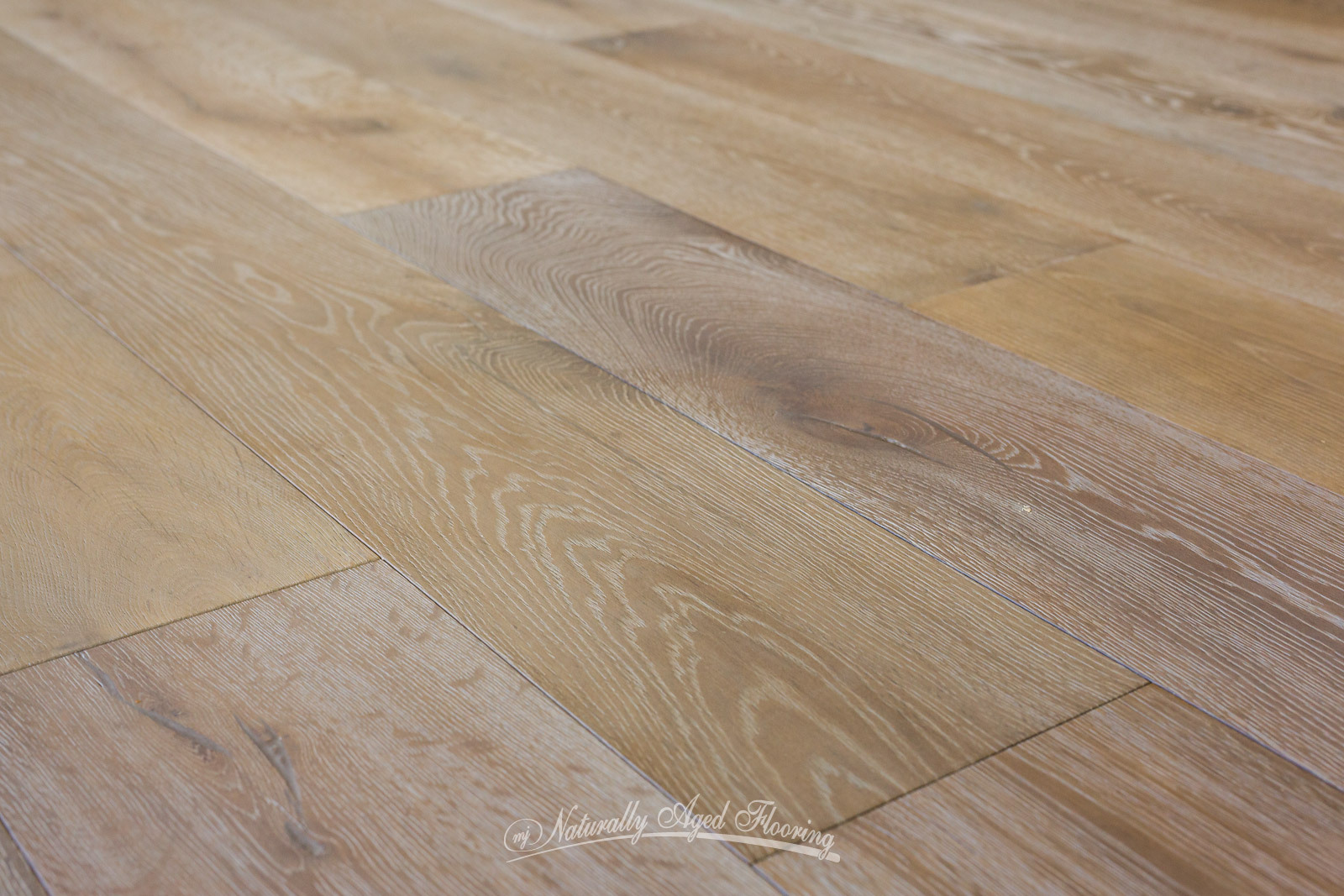 Naturally aged hardwood flooring gurus floor for Flooring gallery